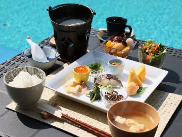 【1周年記念前夜祭】お一人様4,000円OFF!プール前のレストランで爽やかな朝の時間-朝食付-