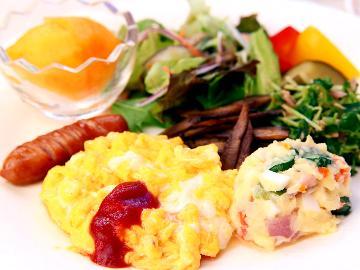 朝食付スタンダード◆焼き立て 【手作り天然酵母パン】 ステンドグラス前でコーヒーと一緒に♪