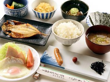 【朝食のみ】富士山が目の前の眺望!体にやさしい当館の朝食をぜひ・・・。山中湖の自然を感じてください☆