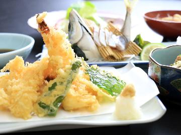 ◆HP限定価格◆【夕食付き】次の日の活力を夕食から!元料理人が作る佐伯の絶品夕食♪