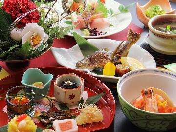 【年末年始限定】色鮮やかな御正月料理で新年を祝いましょう。温泉×創作懐石~期間限定特別御膳~