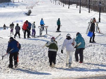 【小賀坂スキー2022試乗会宿泊プラン】来シーズンスキーを一足先に試乗!アメニティー無しでお得~2食付~