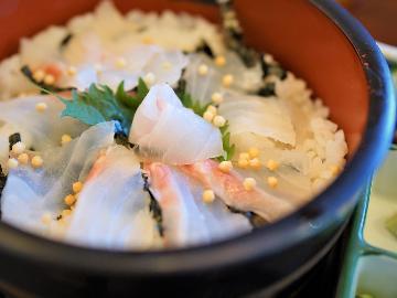 【シェフのIPPIN】旬の厳選食材~4月はプリプリの鯛を【鯛茶漬け】で♪