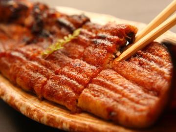 【シェフのIPPIN】旬の厳選食材~8・9月は初音オリジナルのたれで食す!国産うなぎの蒲焼きでスタミナUP♪