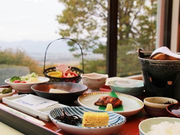 <GoToトラベルキャンペーン割引対象>【朝食付】出来たて♪採れたて♪美味しい朝食と源泉かけ流し温泉を満喫♪
