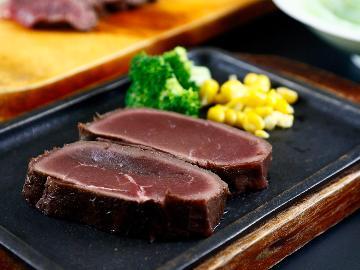 山梨グリーンゾーン認定施設 グレードアップ◆ 鹿肉or猪肉ステーキ!一度は食べたい絶品ジビエ☆