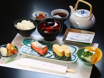 【朝食のみ】 日本海の和朝食で元気に出発! ≪5000円~≫