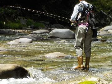 【渓流釣り】大物ゲットのチャンス!?釣ったお魚、無料で調理します♪日釣り券付きプラン☆