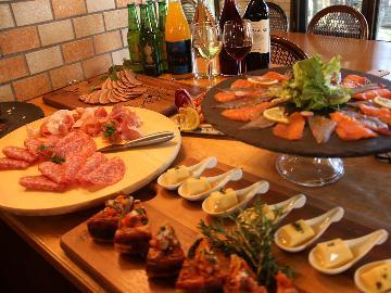 イタリアンやアジアンなどの洒落た一品やビュッフェ式で自分好みにご夕食を★一泊二食付きバイキング付