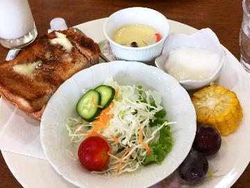 お泊まりはキンザザで朝食はお近くの花音さんで美味しいモーニング★1泊朝食付き