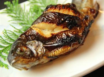 【スタンダード2食付】とろける甲州牛陶板焼き×虹鱒料理 《松本民芸家具を配置した癒しの和室》