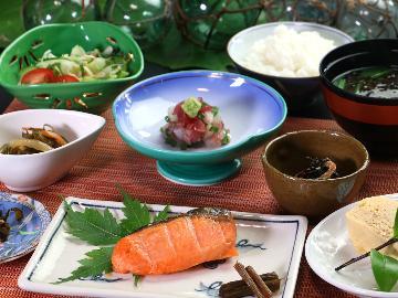 【朝食付】茅葺宿まつやに来なせや~♪朝食は自家製米コシヒカリと海の幸で元気にいってらっしゃい