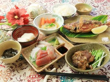 【島物語~2食付き編~】美味しい奄美の島料理!島旅の夜に楽しいアクセントを♪