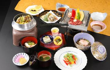 トロン温泉と会席を楽しむ 2食(寝覚御膳)付きプラン