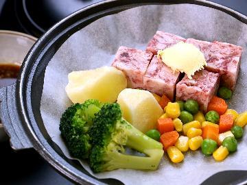 <GoToトラベルキャンペーン割引対象>【とちぎ和牛で極上旅】とろける旨味の栃木和牛をサイコロステーキでどうぞ♪*プライベート重視お部屋食