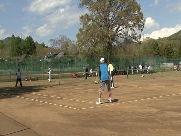 【スポーツ好きにおすすめ!】テニスコートで気分リフレッシュ♪テニス付きプラン[1泊2食付]