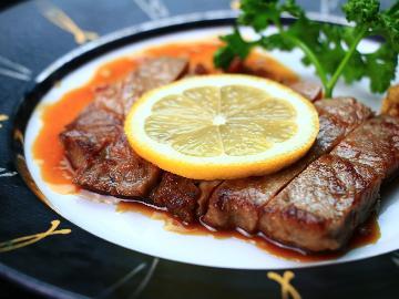 【グレードアップ】佐賀牛ステーキと季節会席で贅沢温泉旅