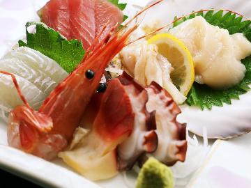 ★【夕食付】新鮮だからうまい!海の幸たっぷりの『漁師めし』!!朝食なしの朝寝坊プラン
