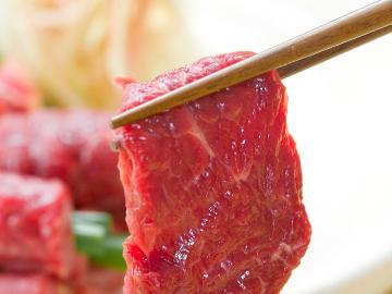 【 グレードアップ 】通常料理に《信州名物。馬刺し》が付きます♪臭みがなく濃厚な馬刺しをご賞味下さい