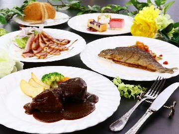 【山梨県民限定・やまなしグリーンゾーン宿泊割引プラン】シェフ自慢の手作り洋食コース料理を堪能♪夕食時にワンドリンク特典