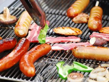 【お泊り&BBQを楽しもう!】食材も道具も全て用意します♪夕食わいわいバーベキュープラン♪